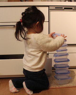 子どもが「積み重ねる」行動にも理由がある